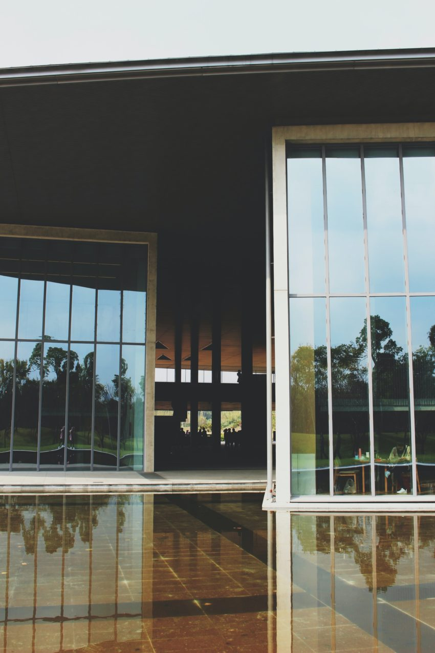 steklena drsna vrata cena